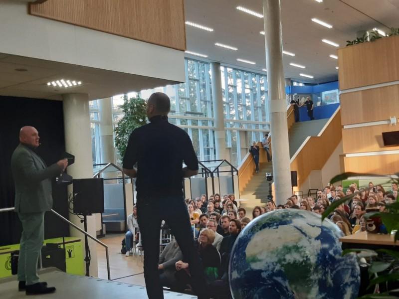 2020.05.02_02 - André Kuipers inspireert opnieuw (pabo)studenten en leerkrachten met Techniekpact Collegetour